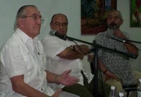 Merecido homenaje a periodista cubano.